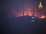 VAL DELLA TORRE - Incendio boschivo: riprese le operazioni, la preoccupazione non diminuisce - immagine 8