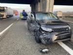 SCONTRO IN TANGENZIALE Tra un tir e una Land Rover: due feriti - immagine 8