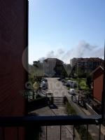 INCENDIO A SETTIMO - A fuoco una ditta, colonna di fumo visibile anche dalla tangenziale FOTO - immagine 8