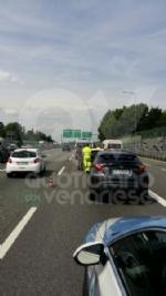 RIVOLI - Doppio incidente in tangenziale: sei auto coinvolte e cinque persone rimaste ferite - immagine 8