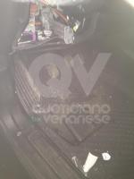 ZONA OVEST - Ladri e vandali dauto in azione: presa di mira anche la macchina di un disabile - immagine 8