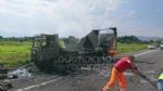 RIVOLI  - Il camioncino va a fuoco, la tangenziale in tilt: code chilometriche - immagine 8