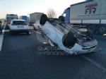 COLLEGNO - Si ribalta con la 500 in tangenziale: ferito 23enne di Collegno - immagine 9