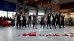 VENARIA - La pioggia non ha fermato le iniziative per la Giornata contro la violenza sulle donne - immagine 9