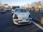 INCIDENTE SULLA TORINO-CASELLE - Camion si ribalta: tre feriti, caos e code sul raccordo - FOTO - immagine 9
