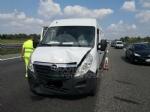 VENARIA-BORGARO - Scontro in tangenziale: tre auto coinvolte, due i feriti - immagine 9