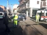 VENARIA - Un altro incidente stradale in centro: auto ribaltata in viale Buridani - FOTO - immagine 1