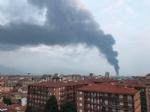 PIANEZZA-COLLEGNO - A fuoco i capannoni della ditta «Omnia Recuperi» di strada Signagatta - immagine 1