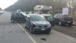 VENARIA - Incidente stradale in via Barbi Cinti: due auto coinvolte, una donna rimasta ferita - immagine 1