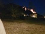 VAL DELLA TORRE - Incendio boschivo. Il sindaco: «la situazione per ora è sotto controllo» - immagine 2