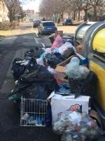 VENARIA - Rifiuti non raccolti in via Buozzi e via Diaz: insorgono i cittadini - immagine 3