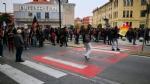 VENARIA G7 - TENSIONE IN PIAZZA: FUGHE E LANCI DI LACRIMOGENI E PETARDI - FOTO E VIDEO - immagine 3