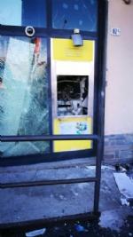 MAPPANO - Ladri fanno esplodere il bancomat dellufficio postale: poi scappano con il bottino - immagine 3