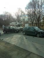 VENARIA - Incidente stradale in via Barbi Cinti: due auto coinvolte, una donna rimasta ferita - immagine 3