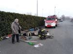 CASELLE - Tre cani incastrati in un tubo rischiano di morire: salvati dai vigili del fuoco - FOTO - immagine 4