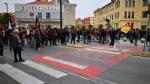 VENARIA G7 - TENSIONE IN PIAZZA: FUGHE E LANCI DI LACRIMOGENI E PETARDI - FOTO E VIDEO - immagine 4