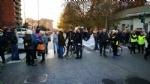 VENARIA-BORGARO - Trecento persone per dire «basta» ai roghi e al degrado di strada Aeroporto - immagine 6