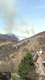 VAL DELLA TORRE-CASELETTE - Incendio boschivo: Aib e pompieri in azione per spegnerlo - immagine 6