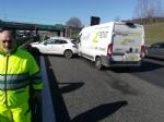 BORGARO-VENARIA - Tamponamento in tangenziale: quattro auto e un furgone. Due i feriti - immagine 7