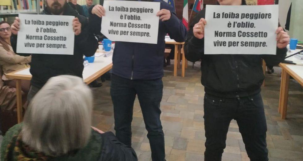 DRUENTO - Consiglio comunale su Norma Cossetto: blitz degli esponenti di Gioventù Nazionale