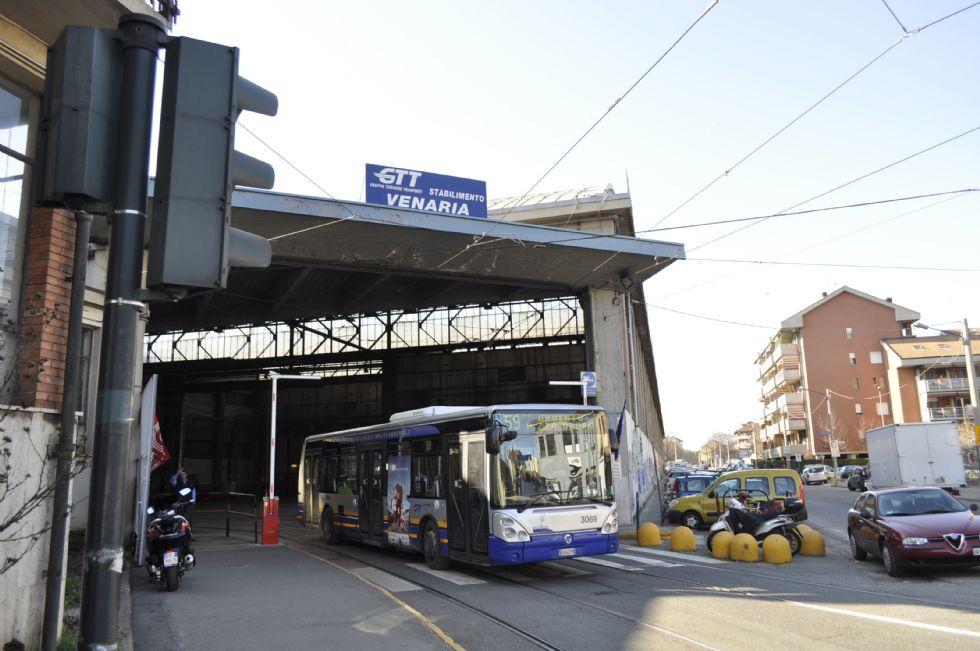 TRASPORTI - Lunedì di passione per chi usa tram e bus: sciopero di quattro ore