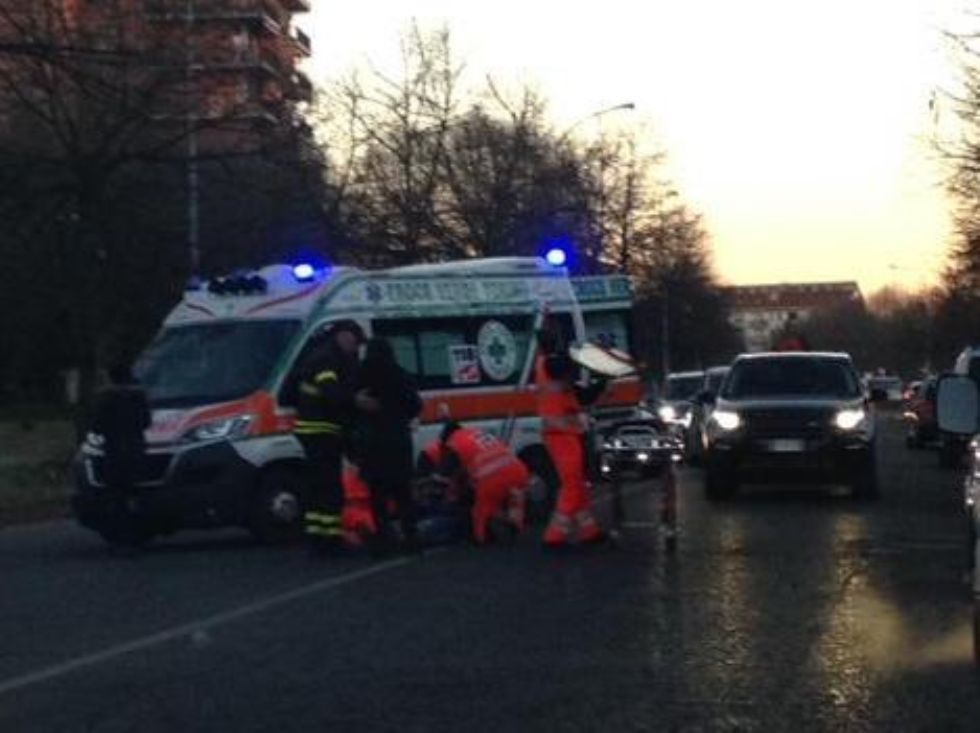 VENARIA - Giovane studente investito da un'auto in corso Machiavelli