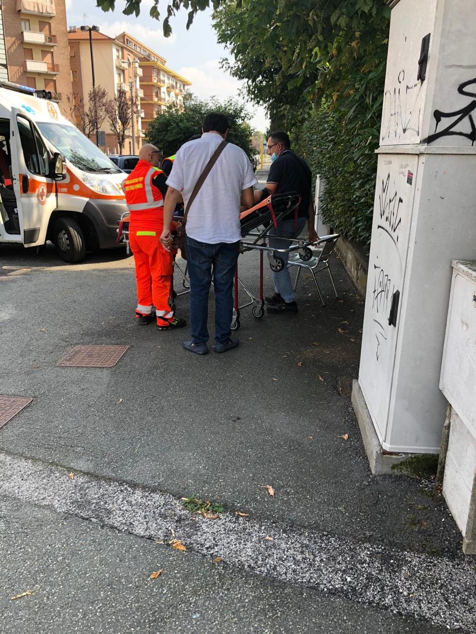 VENARIA - Investita mentre attraversa la strada in corso Garibaldi: 47enne in ospedale