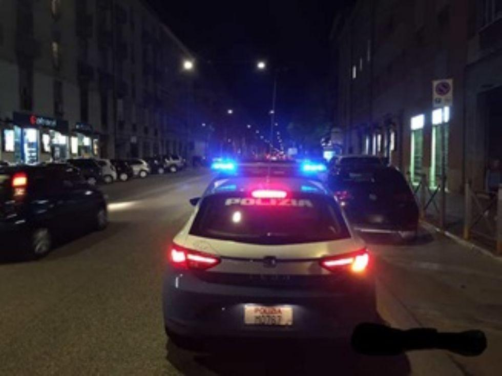 RIVOLI - Pugni al poliziotto che lo aveva fermato: era evaso dai domiciliari, a casa della nonna