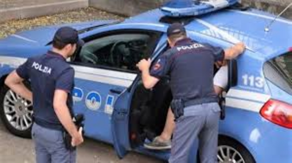 RIVOLI - Perseguita la ex per mesi, appostandosi sempre sotto casa: arrestato 37enne