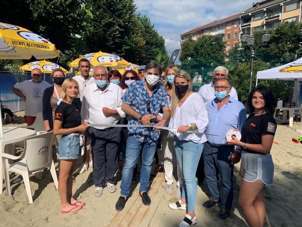 RIVOLI - «Rivoli Beach»: aperte le due spiagge «Bagni Eugenio» e «Lounge Bollani»