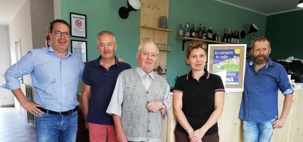 VALLO - Il «Circol», l'unico bar del paese, riapre grazie a Silvia e Sergio Bergero