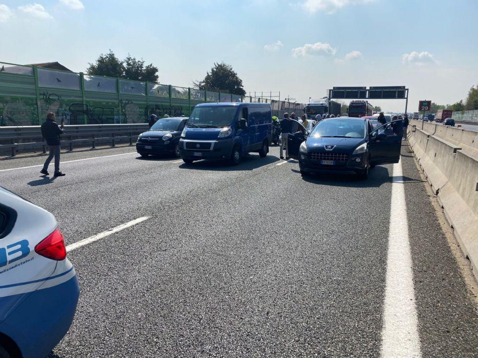 TANGENZIALE TORINO - Protesta dei ristoratori: auto bloccate e code di diversi chilometri