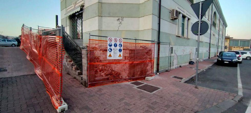 BORGARO - Partiti i lavori per il rifacimento della scalinata di piazza Agorà
