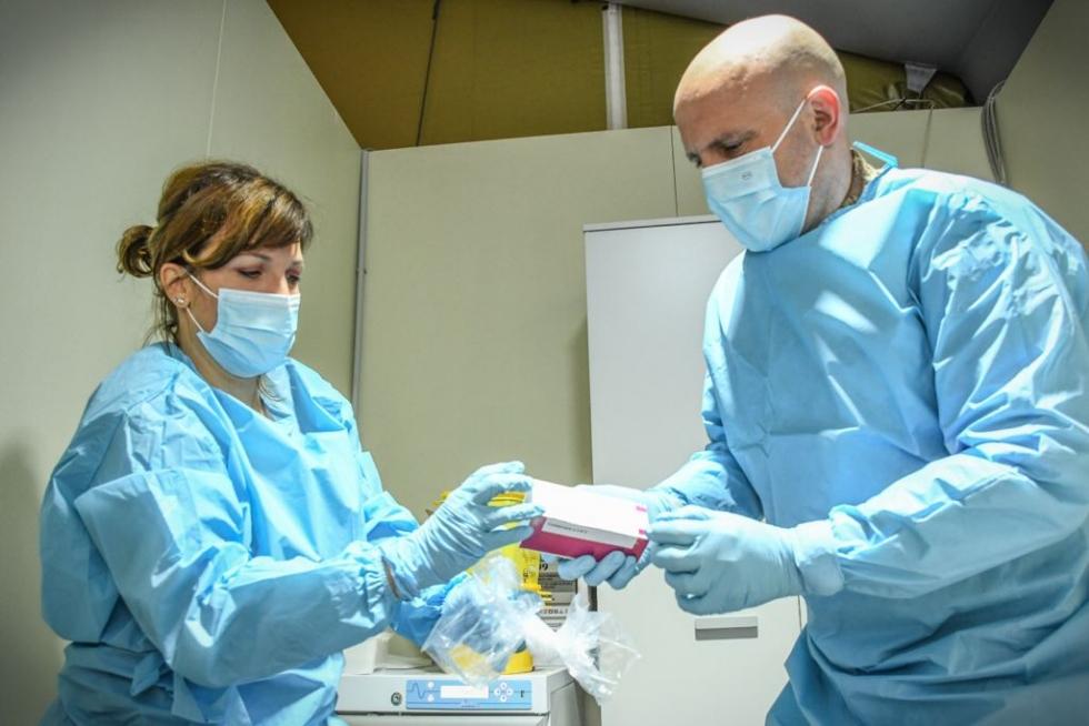 COVID - Intercettata la variante sudafricana su un uomo già vaccinato con Pfizer