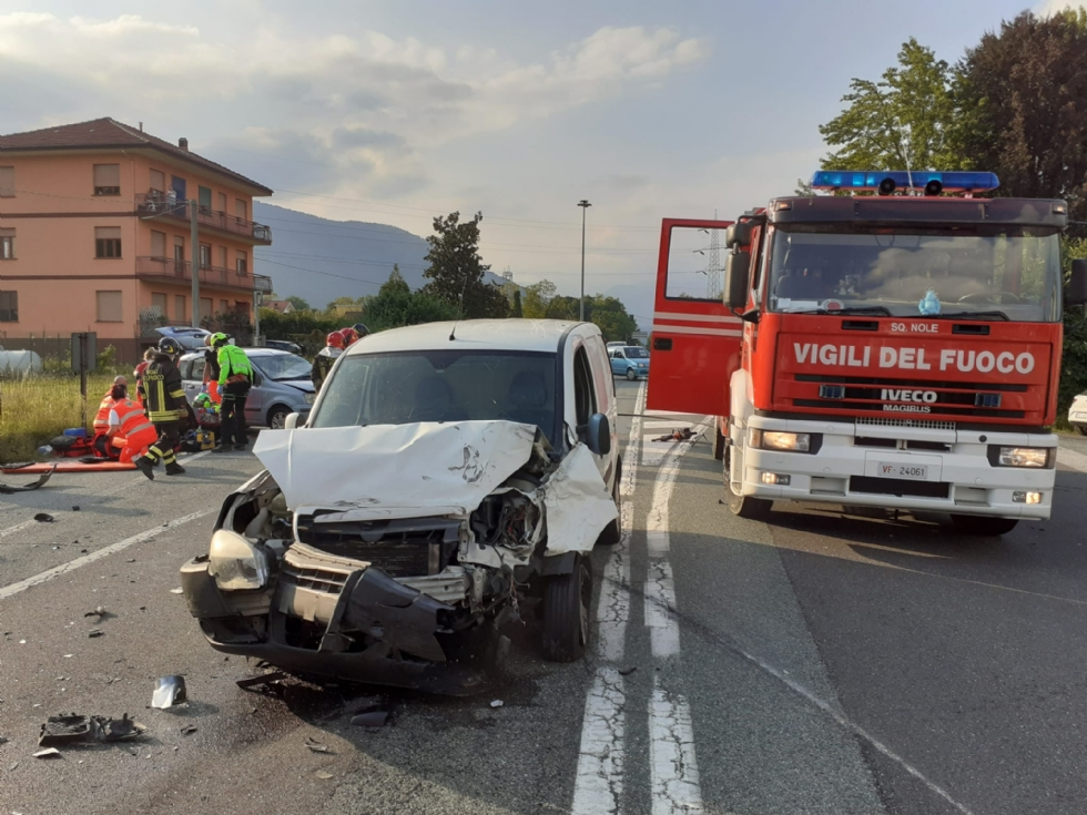 TRAGEDIA SULLA DIRETTISSIMA - Scontro tra due auto davanti alla Tamoil: morto un uomo di Fiano - FOTO