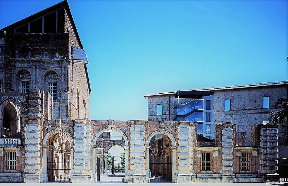 RIVOLI - Il Castello primo museo d'arte al mondo a destinare sale per la campagna vaccinale