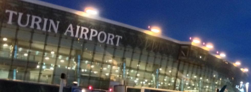 CASELLE - Avaria sull'aereo: scatta l'emergenza al «Sandro Pertini»