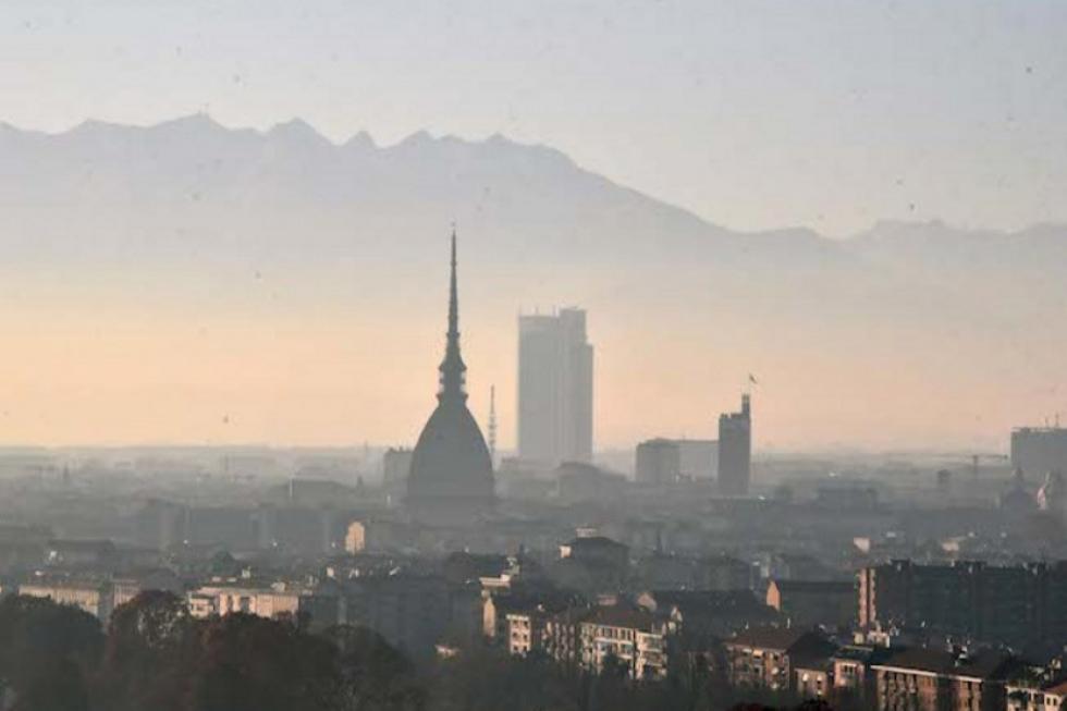 SMOG - Arpa Piemonte è sicura: «Le polveri sottili non veicolano il Covid»