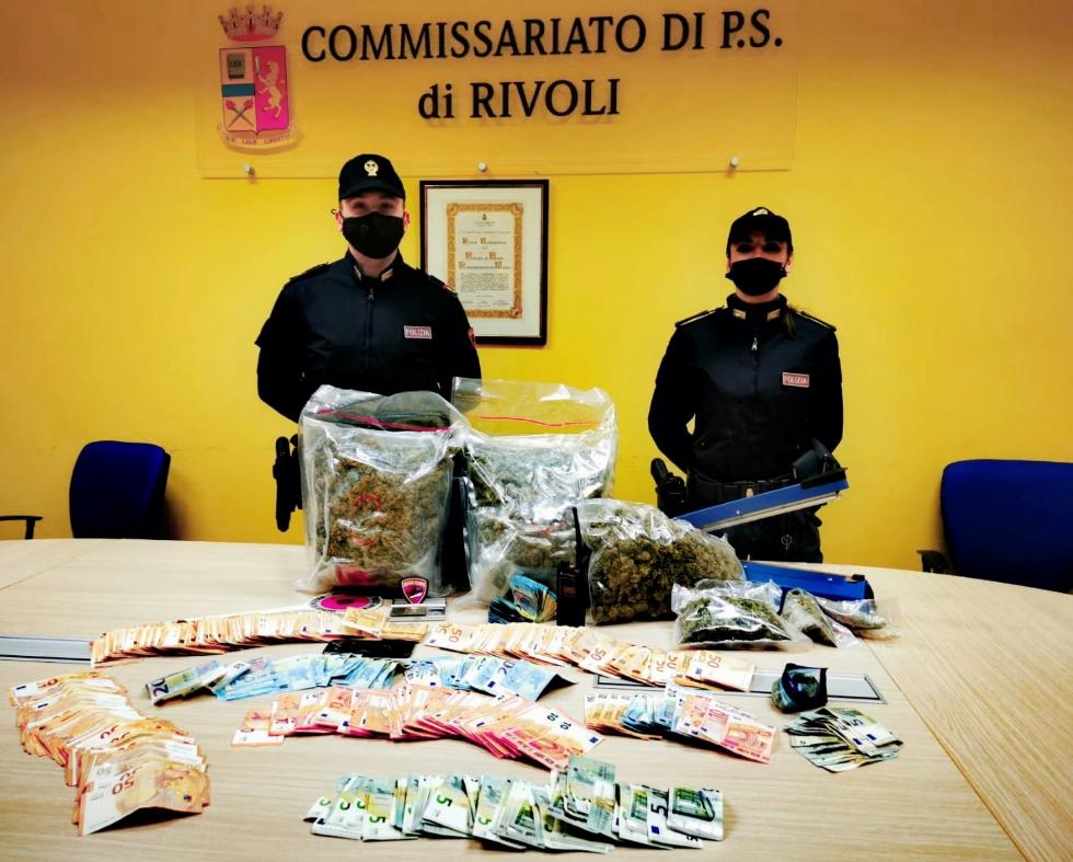 CRONACA - Il «fortino della droga»: la Polizia di Rivoli sequestra 3 kg di marijuana, un arresto