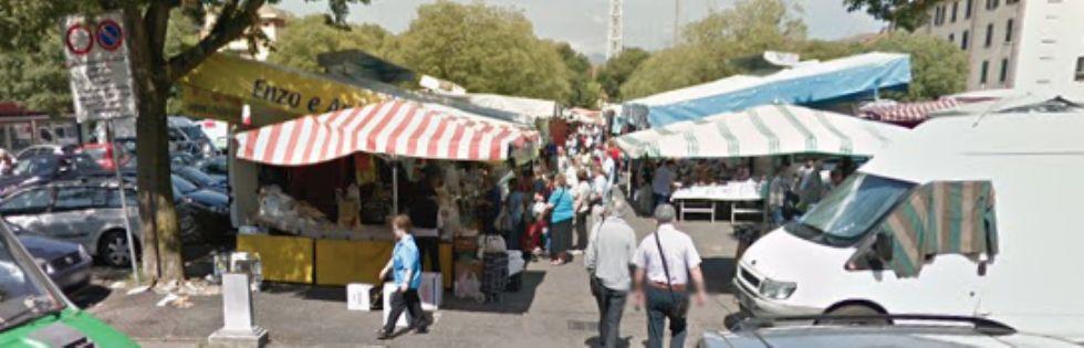VENARIA - Pensionato pedinato e aggredito al mercato di piazza De Gasperi per 5 euro