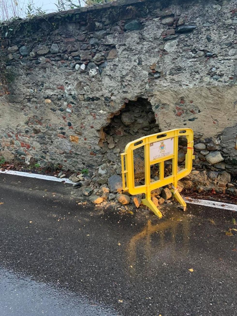 MALTEMPO - Evacuate alcune famiglie a Pianezza. Straripamenti di fiumi e strade chiuse