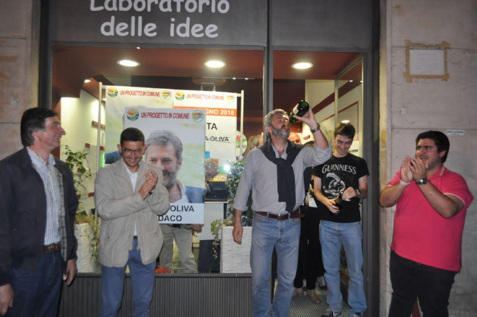 ALPIGNANO - Undici consiglieri sfiduciano il sindaco: a Palazzo Civico arriva il commissario