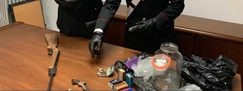VARISELLA - In casa aveva un vero e proprio arsenale: arrestato elettricista 58enne - VIDEO