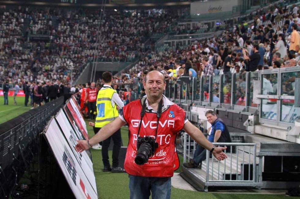 VENARIA - Addio a Fabio Artesi, fotoreporter dall'animo buono e dal grande cuore
