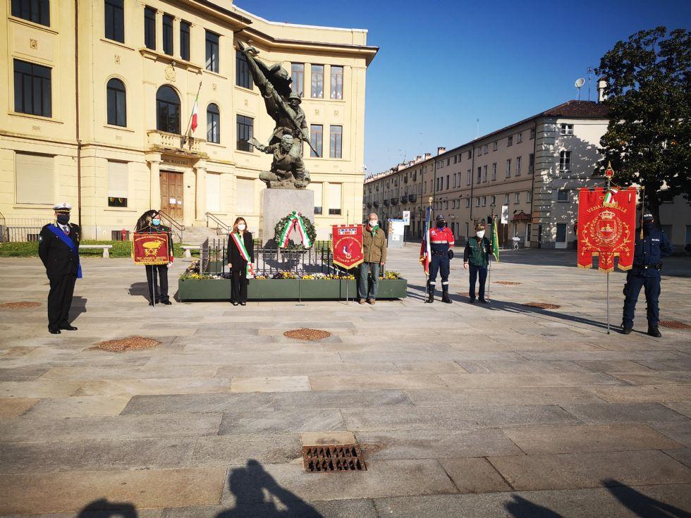 VENARIA - Da «Bella Ciao a distanza» dell'Anpi alla cerimonia in piazza Vittorio: il 25 aprile nella Reale - FOTO E VIDEO