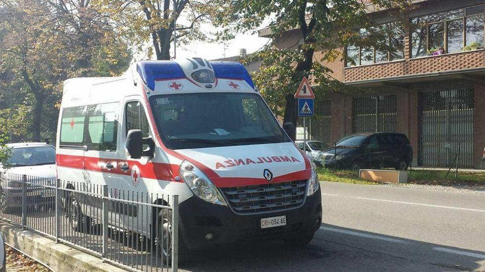 GRUGLIASCO - Mano schiacciata nella pressa mentre lavora alla Euroristorazioni: donna al Cto