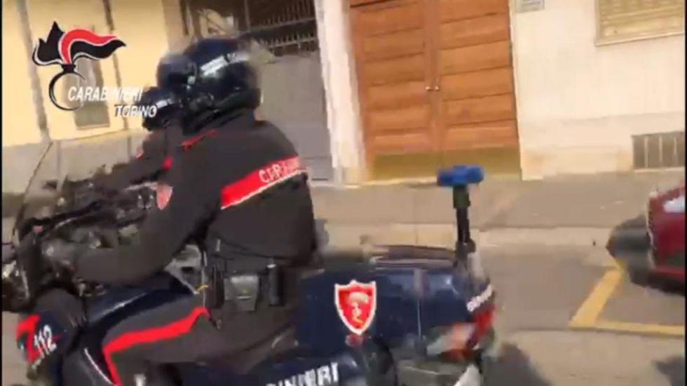 VENARIA - Sorpreso nel garage mentre era intento a rubare: 31enne venariese arrestato
