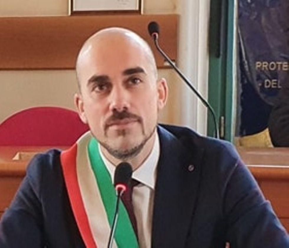VENARIA - «Tornare presto alle vite di sempre»: gli auguri di buona Pasqua del sindaco Giulivi
