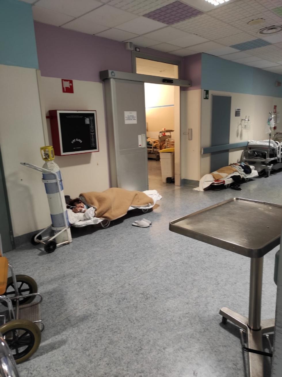 RIVOLI - Accossato e Grimaldi: «Pazienti per terra segno del collasso sanitario piemontese»