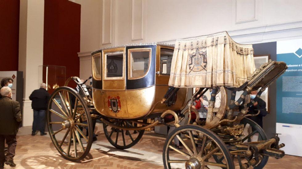 VENARIA - 200 anni dalla morte di Napoleone: la sua carrozza in mostra dopo il restauro